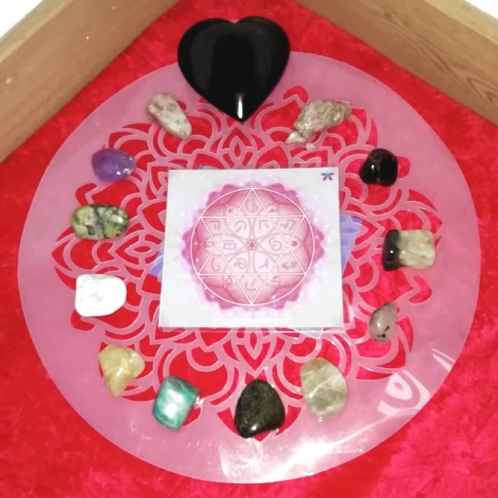altar de meditación con mandalas
