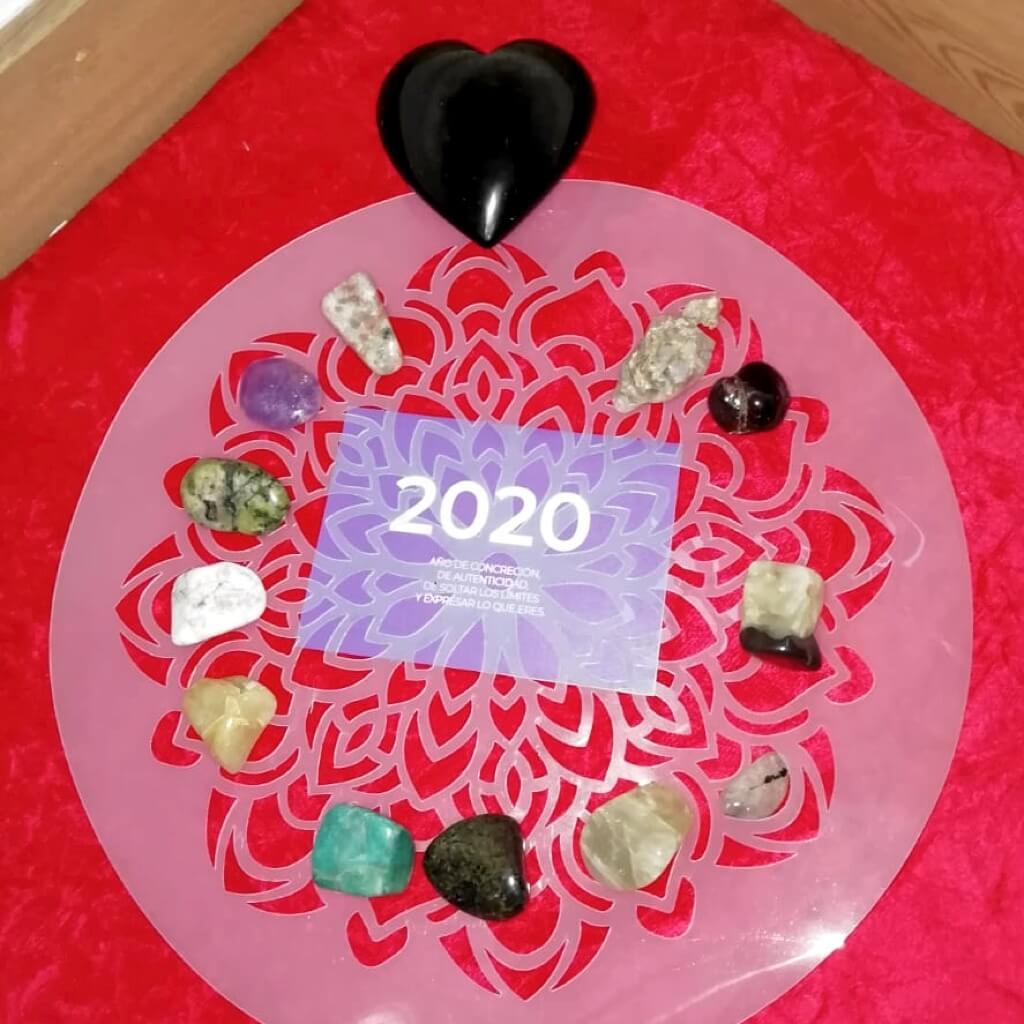 altar de meditación con propósitos para el nuevo año